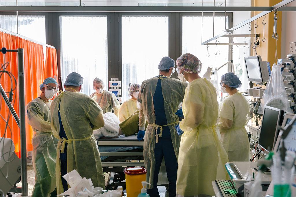 2020-COVID-Unispital-Basel-Fiechter-34.jpg