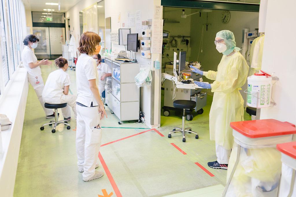 2020-COVID-Unispital-Basel-Fiechter-49.jpg